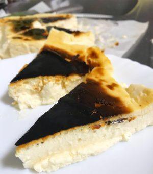 バスクチーズケーキカット
